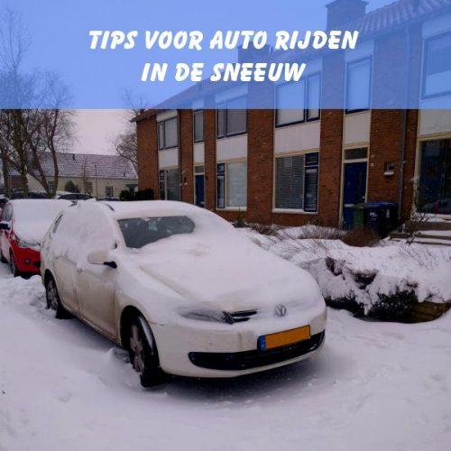 auto rijden in sneeuw