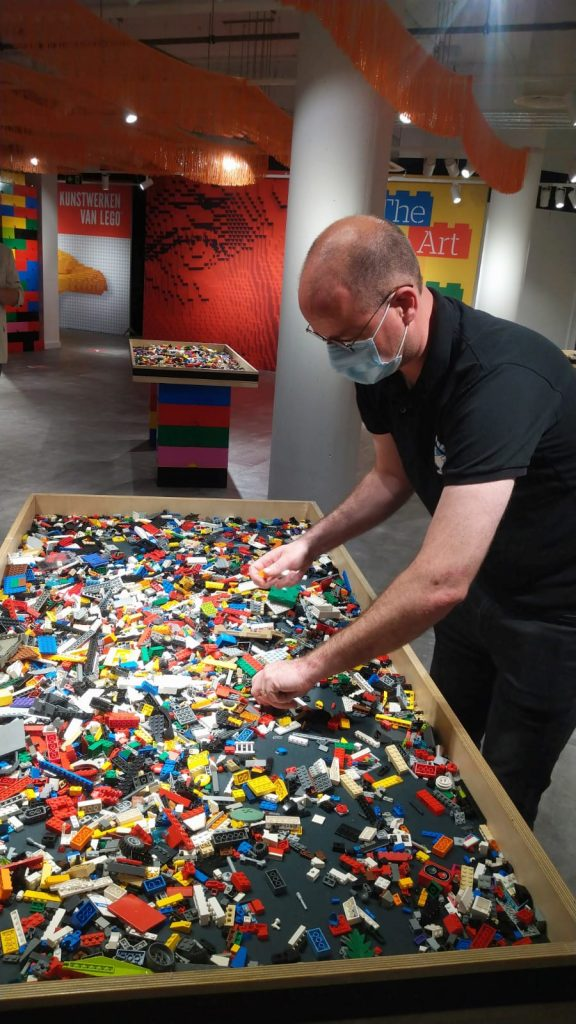 the art of the brick, nathan sawaya, amsterdam 2021, LEGO, kunstwerken van lego, playzone