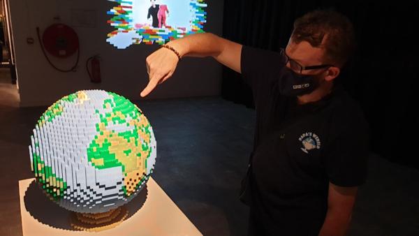 The Art Of The Brick, Lego, wereldbol, papa's wereld